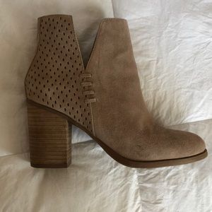 """Steve Madden Shepp Taupe Suede 3"""" Booties"""